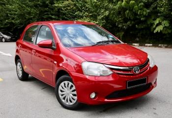 Toyota Etios 2014 (Red)