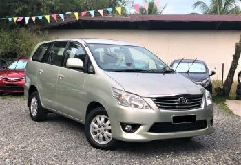 Toyota Innova  2014 (Silver)