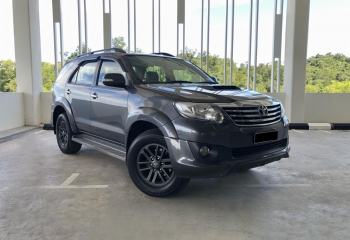 2015 Toyota Fortuner 4WD with TRD BodyKit (Auto)