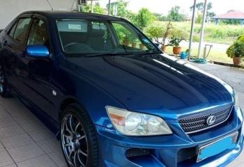 Lexus IS200 for sale